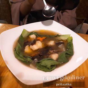 Foto 3 - Makanan(Sup Bakso Ikan) di D'Natural Healthy Store & Resto oleh Prita Hayuning Dias