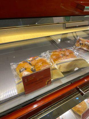 Foto review Holland Bakery oleh Maria Marcella 1