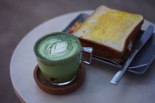 Foto 3 - Makanan(Club Sandwich dan Calatte) di Serantau Coffee x Space oleh Fadhlur Rohman