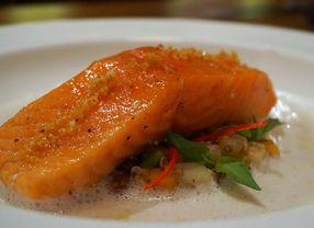 Tujuh Rekomendasi Sajian Olahan Salmon di Jakarta yang Enaknya Bikin Nagih