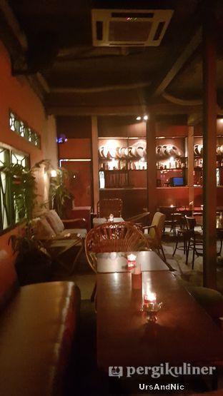 Foto 18 - Interior di Pao Pao Liquor Bar & Dim Sum oleh UrsAndNic
