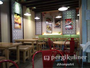 Foto 6 - Interior di Es Teler 77 oleh Jihan Rahayu Putri