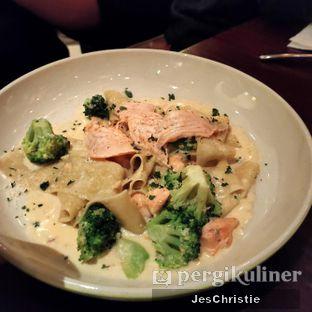 Foto 7 - Makanan(Pappardelle Salmon and Broccoli w/ Cream Sauce) di AW Kitchen oleh JC Wen