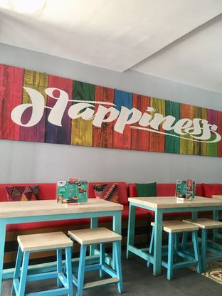 Foto 3 - Interior di Moska Cafe & Eatery oleh Prido ZH