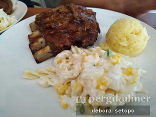 Foto 1 - Makanan di Meaters oleh Debora Setopo