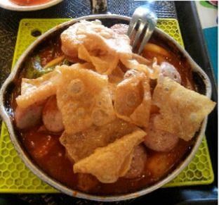 Foto 3 - Makanan(Beef Sausage Ttokpokki) di Mujigae oleh Rahmi Febriani