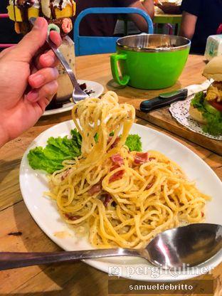 Foto 5 - Makanan(Spaghetti Carbonara) di Wonderland Wondercafe oleh Samuel Debritto