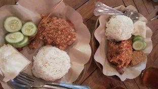 Foto 4 - Makanan di Ayam Gepuk Pak Gembus oleh Review Dika & Opik (@go2dika)