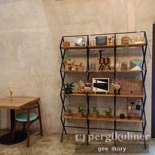 Foto 7 - Interior di Kona Koffie & Eatery oleh Genina @geeatdiary