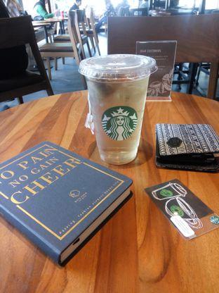 Foto - Makanan(Chamomile Tea) di Starbucks Coffee oleh Fadhlur Rohman