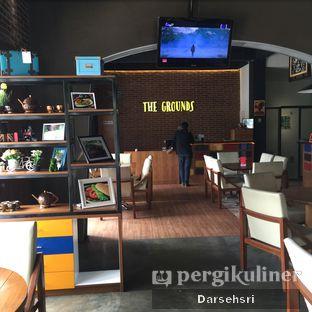 Foto 10 - Interior di The Grounds oleh Darsehsri Handayani
