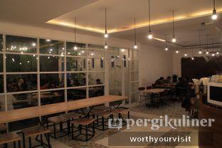Foto 3 - Interior di 404 Eatery & Coffee oleh Kintan & Revy @worthyourvisit