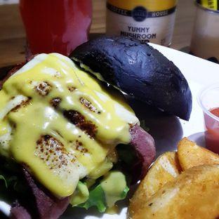 Foto 2 - Makanan di Blacklisted oleh Jessica Tan
