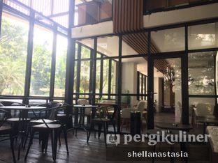 Foto 10 - Interior di Simetri Coffee Roasters oleh Shella Anastasia