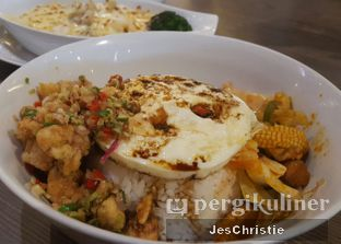 Foto 1 - Makanan(Rice Bowl Spicy Special Chicken) di Hong Kong Cafe oleh JC Wen