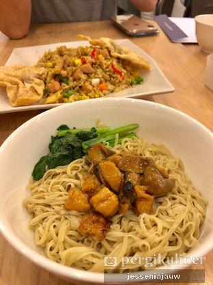 Foto 1 - Makanan di Bakmi GM oleh Jessenia Jauw