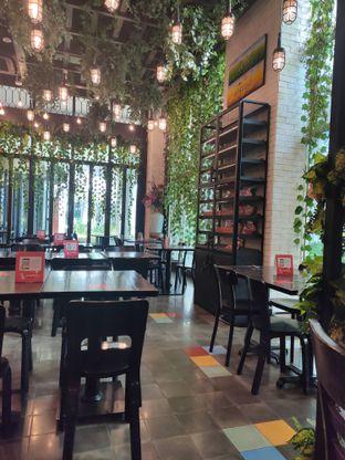 Foto 3 - Interior di Babochkaa Bistro & Coffee Bar oleh Lisa Ramadhanty