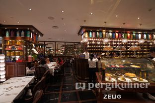 Foto 3 - Interior di TWG Tea Salon & Boutique oleh @teddyzelig