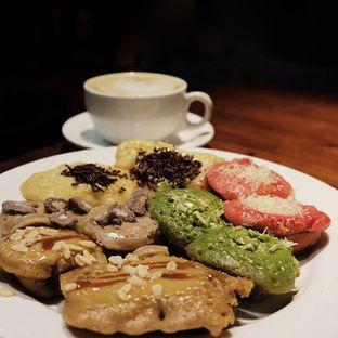 Foto - Makanan(Mix Platter Kue Cubit) di Koffie Warung Tinggi oleh Andy Khohara