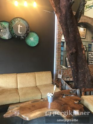 Foto 3 - Interior di Terroir Coffee & Eat oleh Hungry Mommy