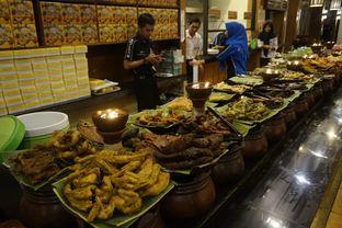 Foto 5 - Interior di Warung Nasi Ampera oleh yudistira ishak abrar