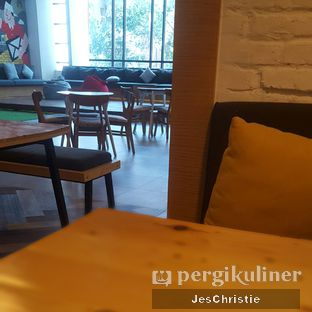Foto 3 - Interior di Double Spout Coffee oleh JC Wen