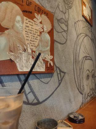 Foto 4 - Interior di Lemari Kopi oleh Makan Terus