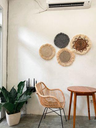 Foto 2 - Interior di Lanell Coffee oleh houseofoodies