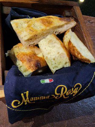Foto 7 - Makanan(Welcome bread) di Mamma Rosy oleh Komentator Isenk