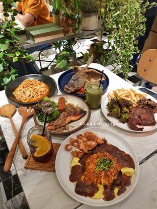 Foto review Devon Cafe oleh Clara Yunita 9