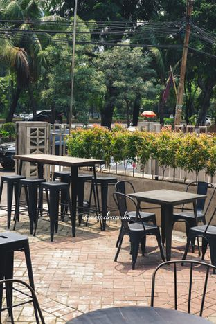 Foto 10 - Eksterior di 8th Bean Cafe oleh Indra Mulia