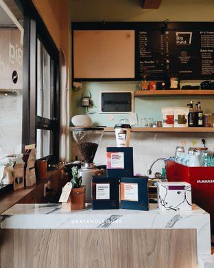 Foto 6 - Interior di Big Pond Coffee oleh Eat and Leisure