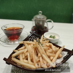 Foto 2 - Makanan(Hoshino French Fries w/ Mentaiko Mayo) di Hoshino Coffee oleh JC Wen