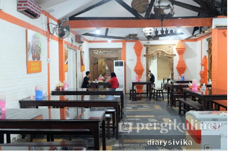 Foto Interior di Waroeng Jangkrik Sego Sambel Wonokromo