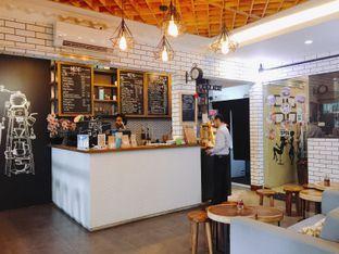 Foto 8 - Interior di Qubico Coffee oleh Astrid Huang   @biteandbrew