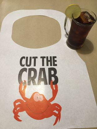 Foto 6 - Interior di Cut The Crab oleh Theodora