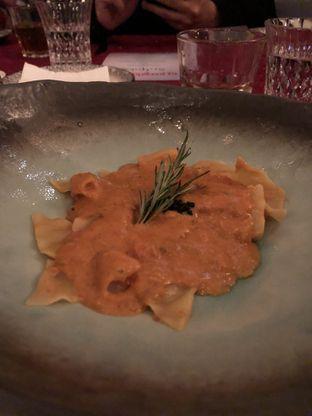 Foto 3 - Makanan(Taconeli pasta with pink crab sauce) di Oso Ristorante Indonesia oleh YSfoodspottings