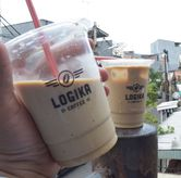 Foto es kopi krimer di Logika Coffee