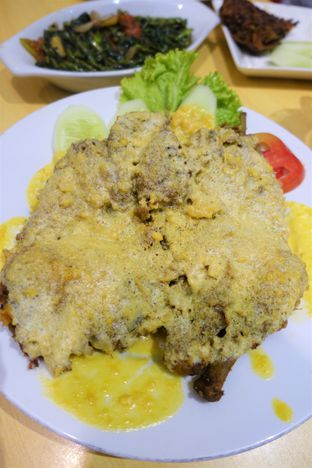 Foto 1 - Makanan di Ayam Tulang Lunak Hayam Wuruk oleh iminggie
