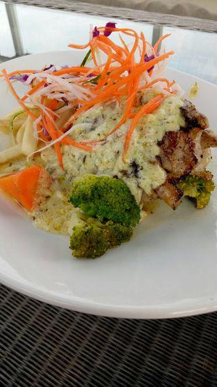 Foto 2 - Makanan di ROOFPARK Cafe & Restaurant oleh Marcia Novita