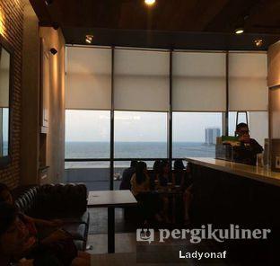 Foto 2 - Interior di KOI Cafe oleh Ladyonaf @placetogoandeat
