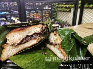 Foto 3 - Makanan di Dapoer Roti Bakar oleh Slimybelly