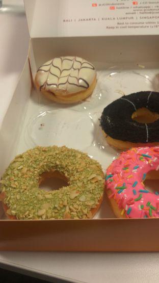 Foto 1 - Makanan di J.CO Donuts & Coffee oleh Renodaneswara @caesarinodswr