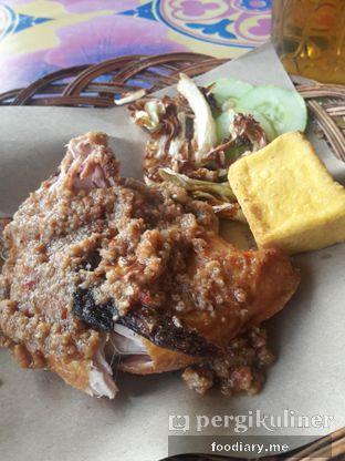 Foto 3 - Makanan di Ayam Gepuk Pak Gembus oleh @foodiaryme | Khey & Farhan