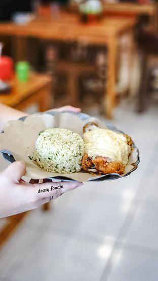 Foto 9 - Makanan di Geprek Gold Chick oleh deasy foodie