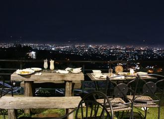 Tempat Nongkrong Malam di Bandung yang Wajib Kamu Singgahi