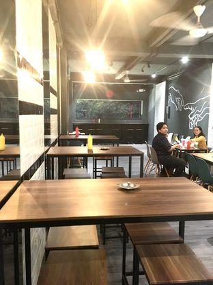 Foto 5 - Interior di Monster Cheese Pizza oleh Prido ZH