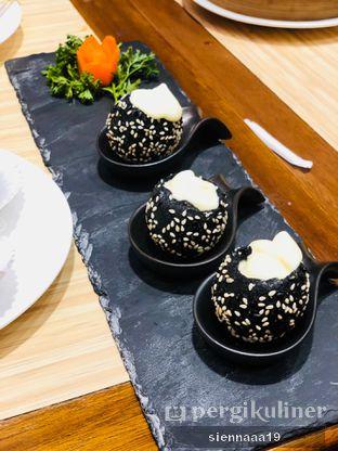 Foto 5 - Makanan(Cream Cheese Onde) di Wan Treasures oleh Sienna Paramitha