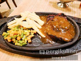 Foto 2 - Makanan(Tenderloin Steak) di Platinum oleh Irene Stefannie @_irenefanderland