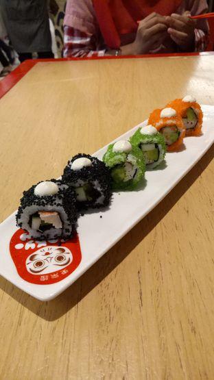 Foto 2 - Makanan(California Roll) di Tokyo Belly oleh Ratu Aghnia